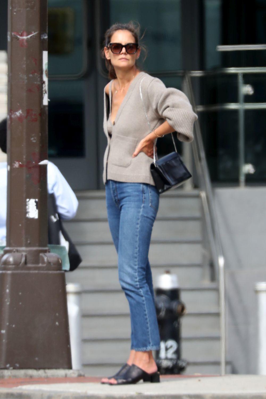 Katie Holmes con su look más viral.