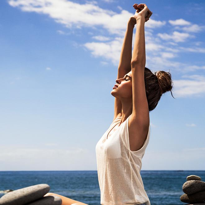 El Yin Yoga mejora la flexibilidad y la concentración.