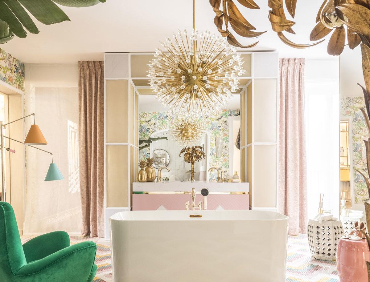 Baño decorado en rosa por la interiorista Nuria Alía.