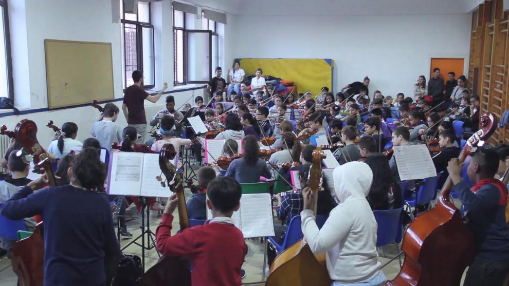 Una de las orquestas de Acción Social de la Música en un ensayo.