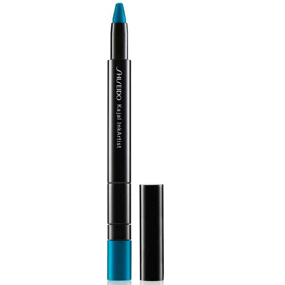 Kajal Ink Sumi Sky de Shiseido 4 en 1 (27 euros)  que actúa como sombra de ojos, eyeliner, lápiz de cejas y delineados en color azul turquesa.