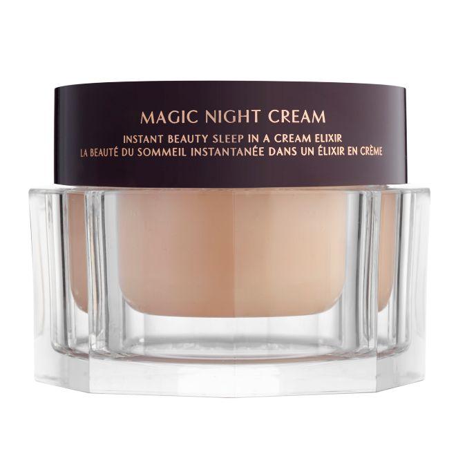 Magic Night Cream, de Charlotte Tilbury (119,95 euros). Crema nocturna con retinol de liberación prolongada que nutre y refresca dando un aspecto resplandeciente.