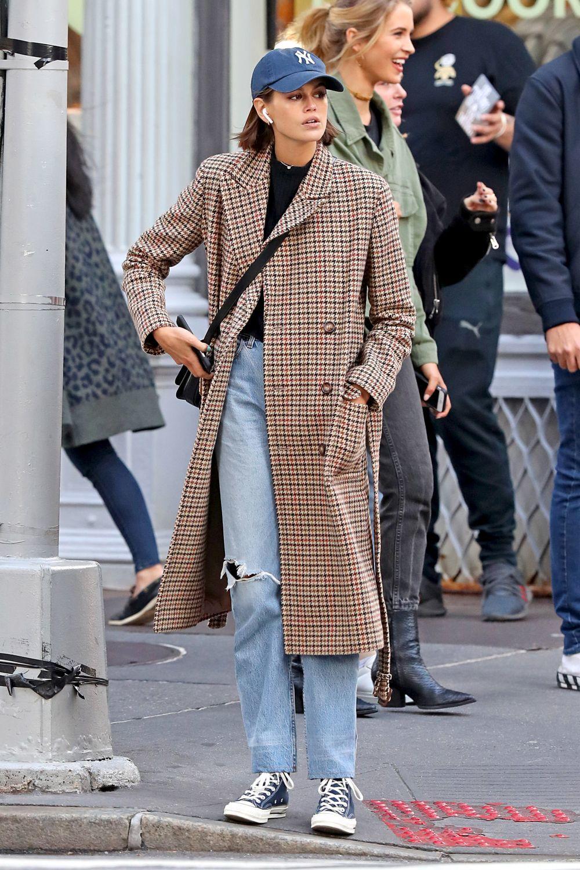 Kaia Gerber paseando por Nueva York.