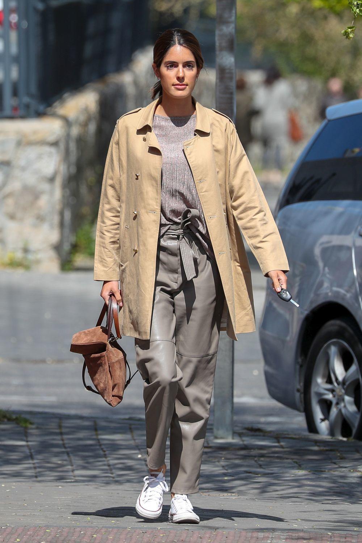 Sofía Palazuelo paseando por Madrid.