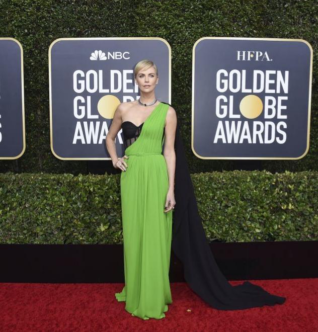 Charlize Theron en los Globos de Oro 2020