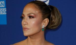 Jennifer Lopez: así ha sido su segundo vestido en los Globos de Oro.