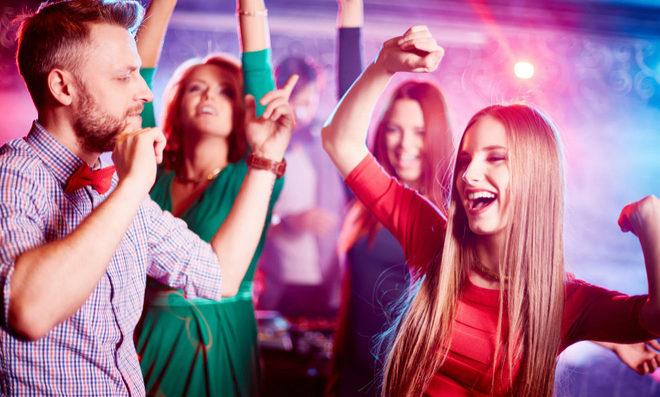 Bailar reporta muchos beneficios a la salud además de facilitar las...