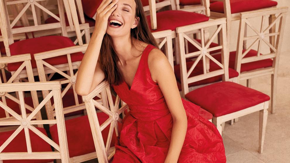 El rojo es uno de los colores que mejor funciona en los<em> looks...