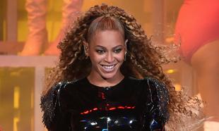 Beyoncé en su actuación en Coachella
