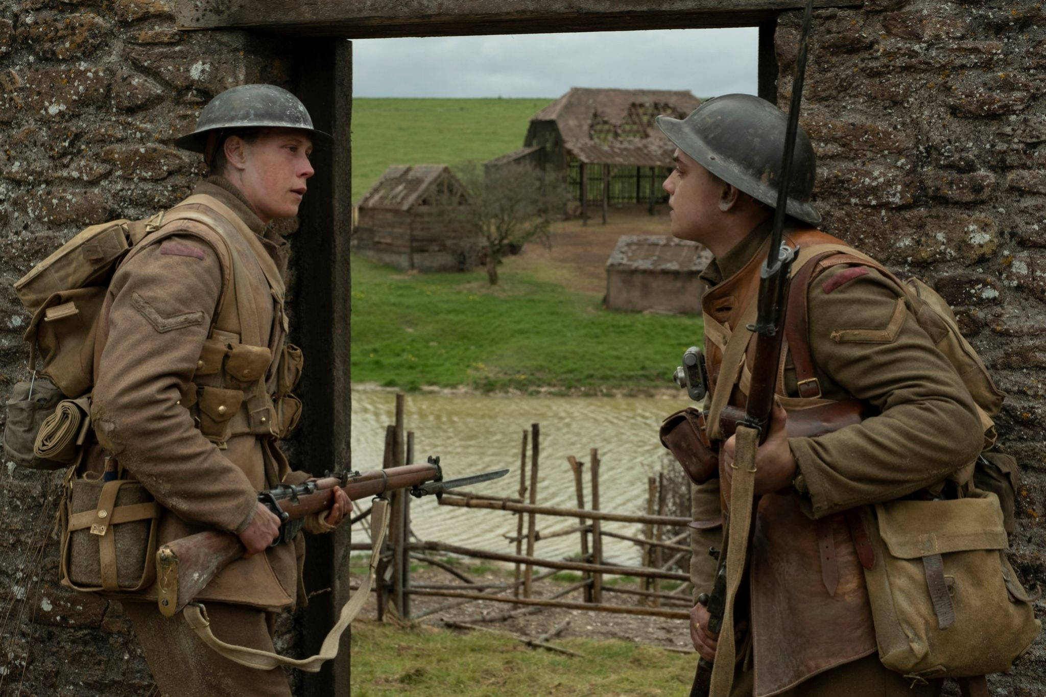 George MacKay y Dean-Charles Chapman, protagonistas de 1917