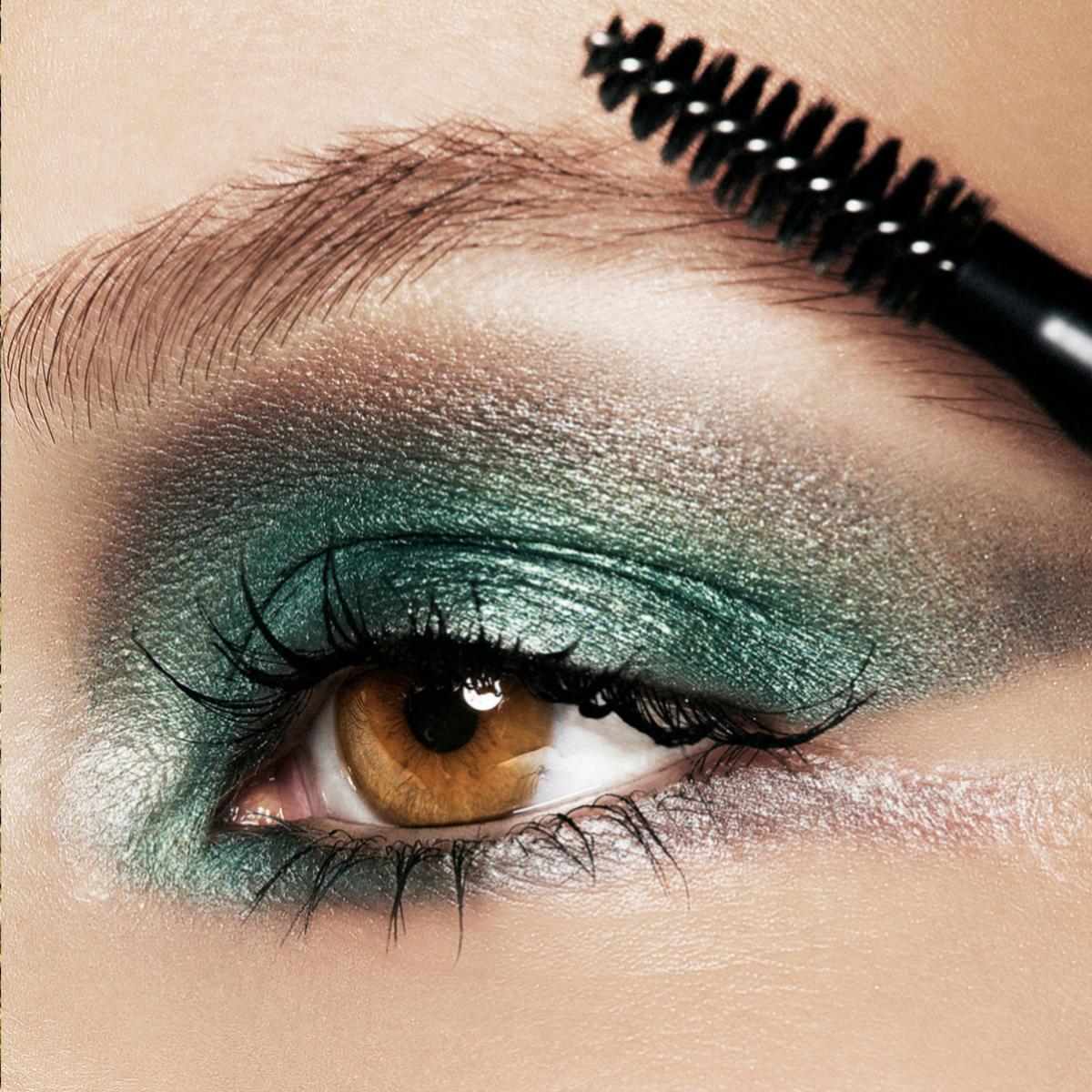 El maquillaje de cejas está de moda.