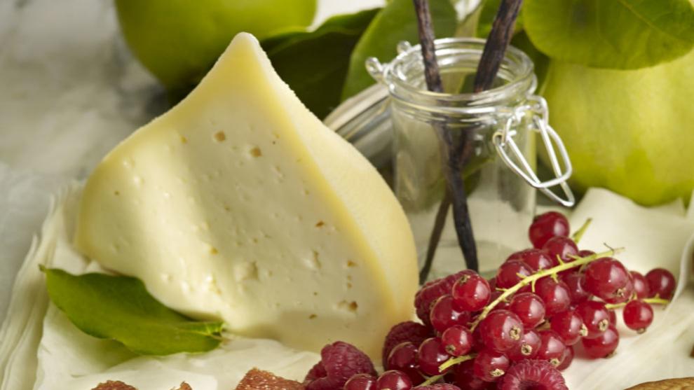 El queso es un alimento calórico.