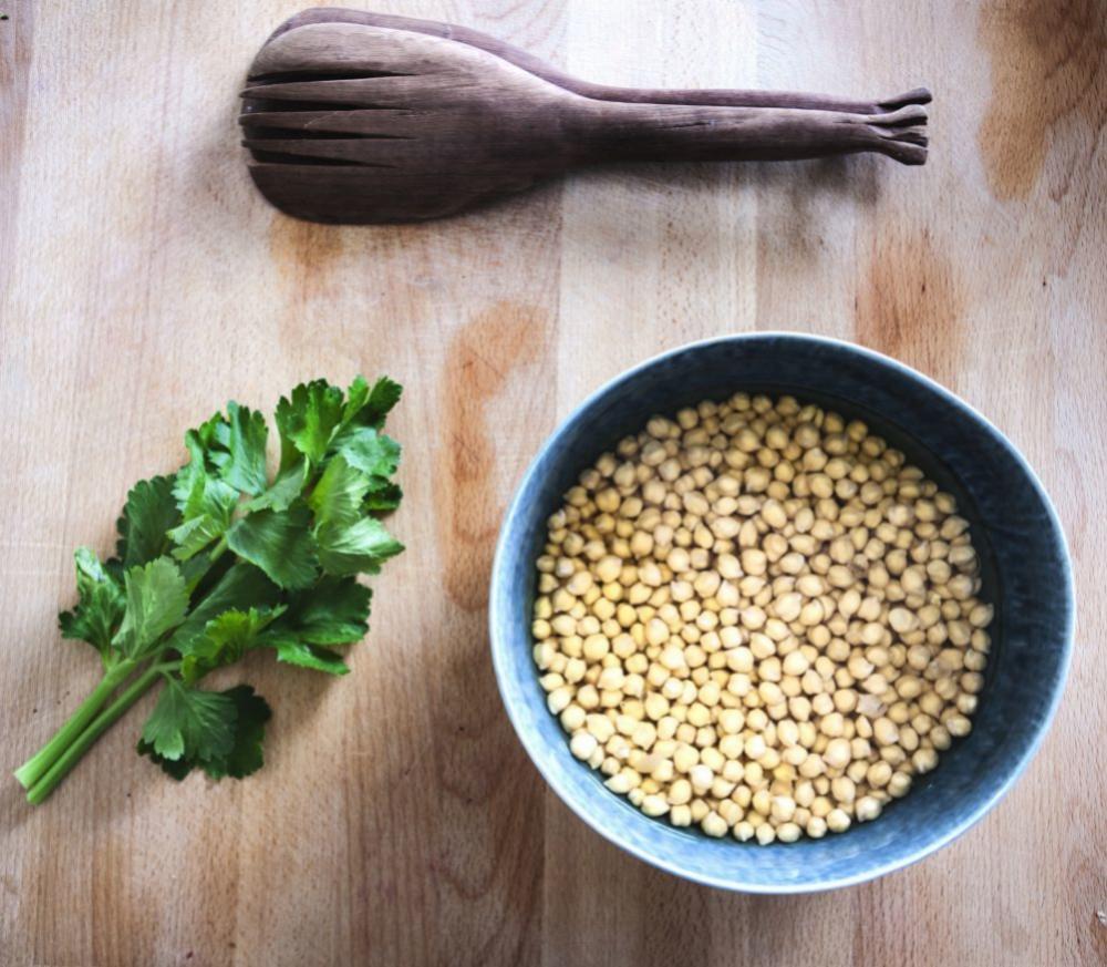 Tomar legumbres con verduras tres veces por semana contribuye a...