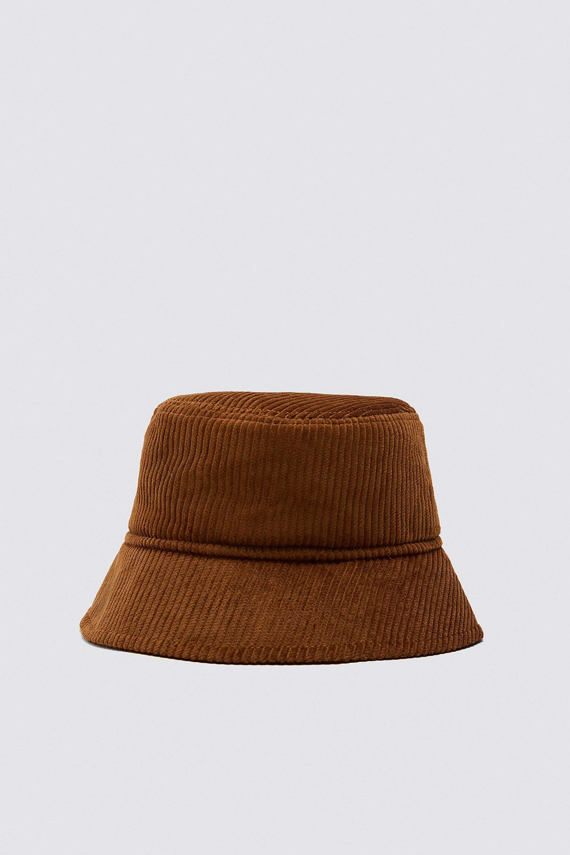 Sombrero bucket de pana de Zara (9,99¤)