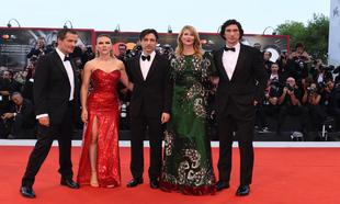 El director director Noah Baumbach y los actores Scarlett Johansson,...