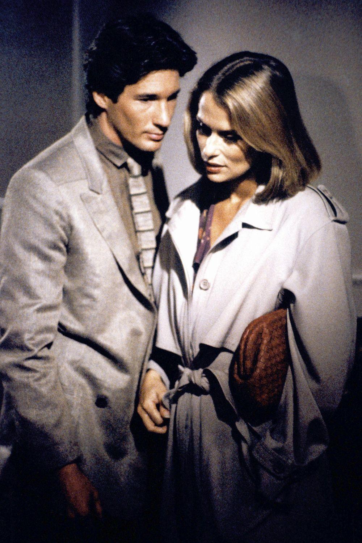 """Richard Gere y Lauren Hutton (con su famosa gabardina) en """"American..."""