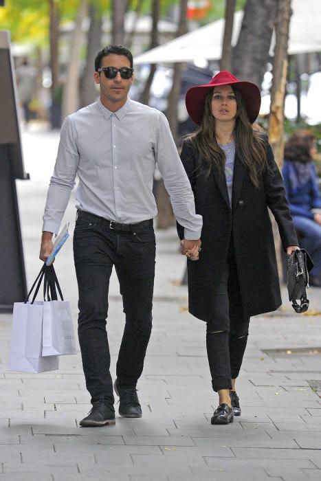 Los actores Miguel Ángel Silvestre y Blanca Suárez en las calles de Madrid.