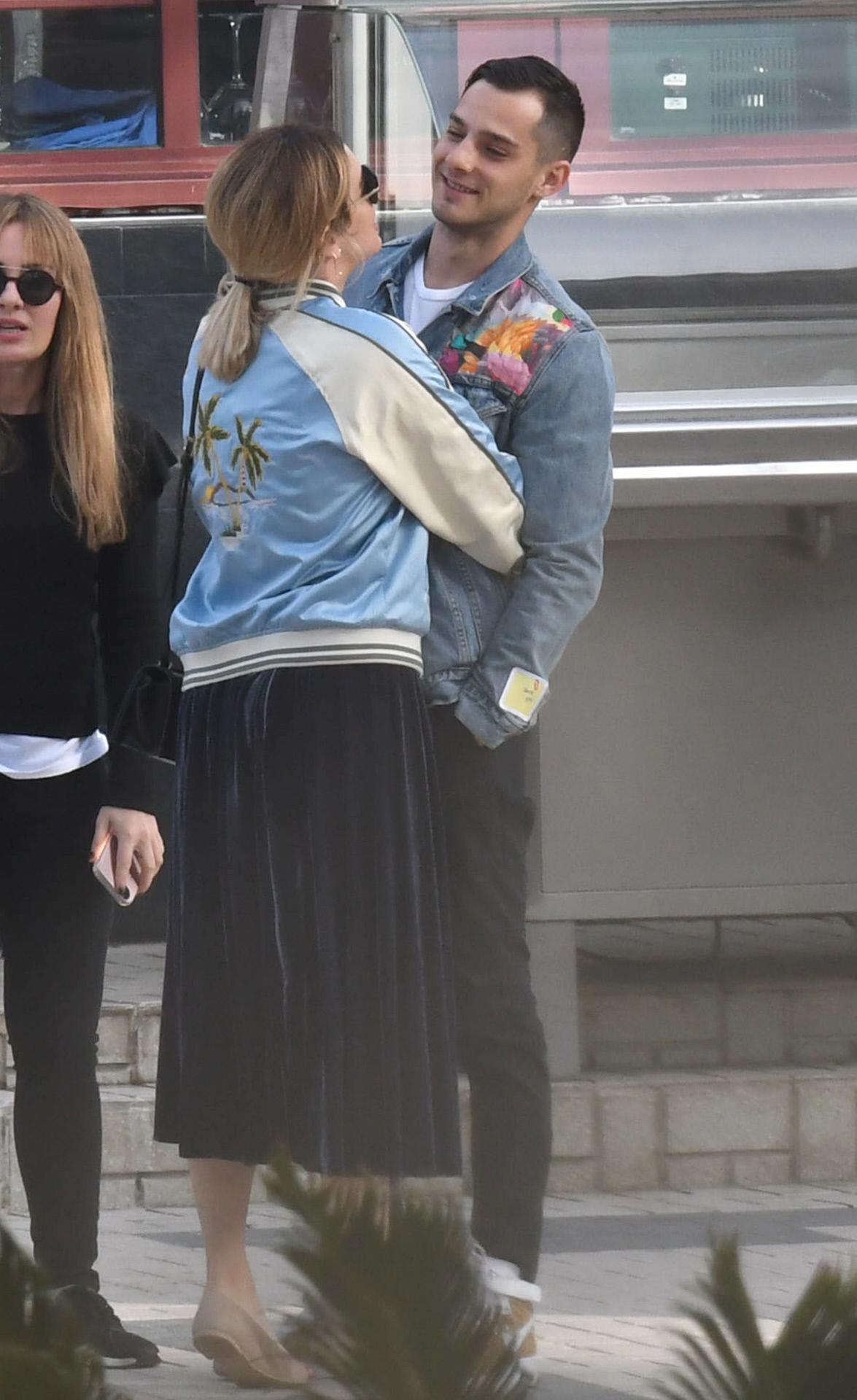 Los actores Blanca Suárez y Joel Bosqued por las calles de Málaga.