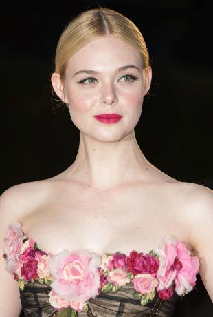 Elle Fanning presume de los labios frambuesa más inspiradores con una...