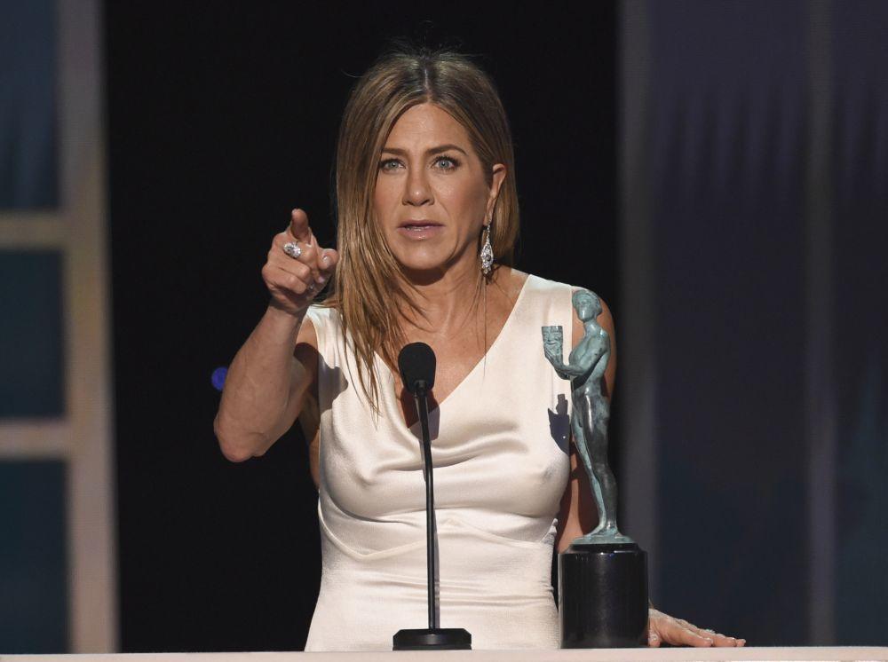 Jennifer Aniston sacando pecho en su discurso como ganadora del premio SAG 2020 del Sindicato de Actores