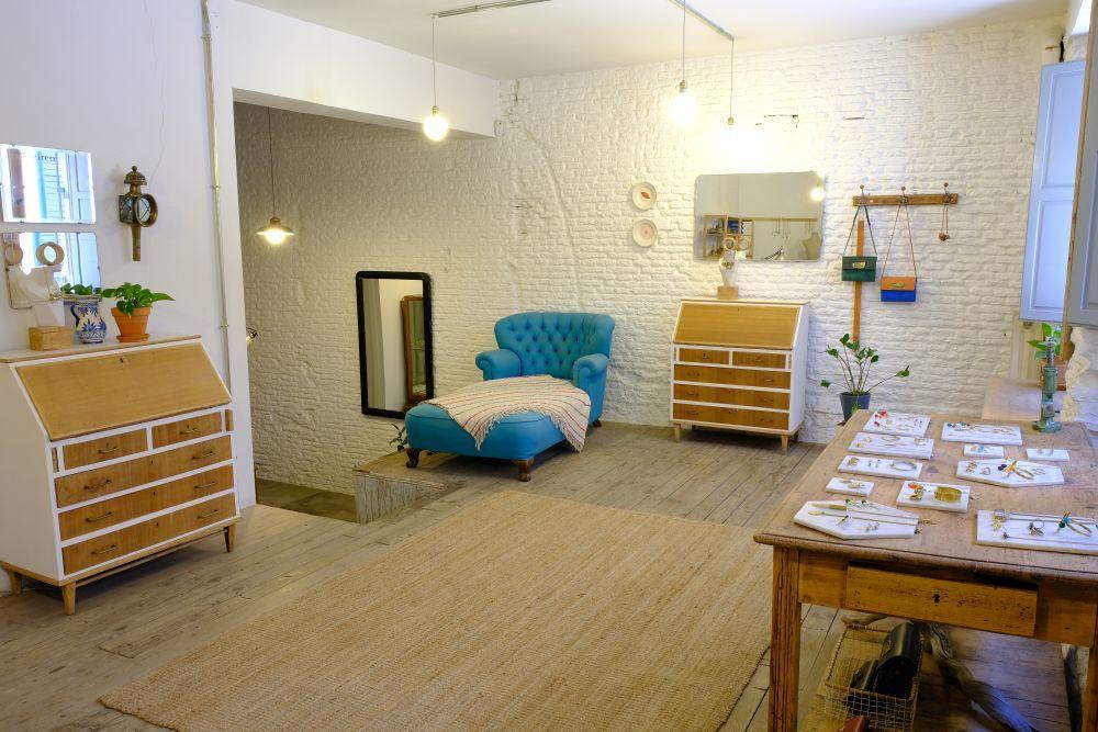 Visita el estudio de Almudena en c/ Belén, 3 (Madrid)