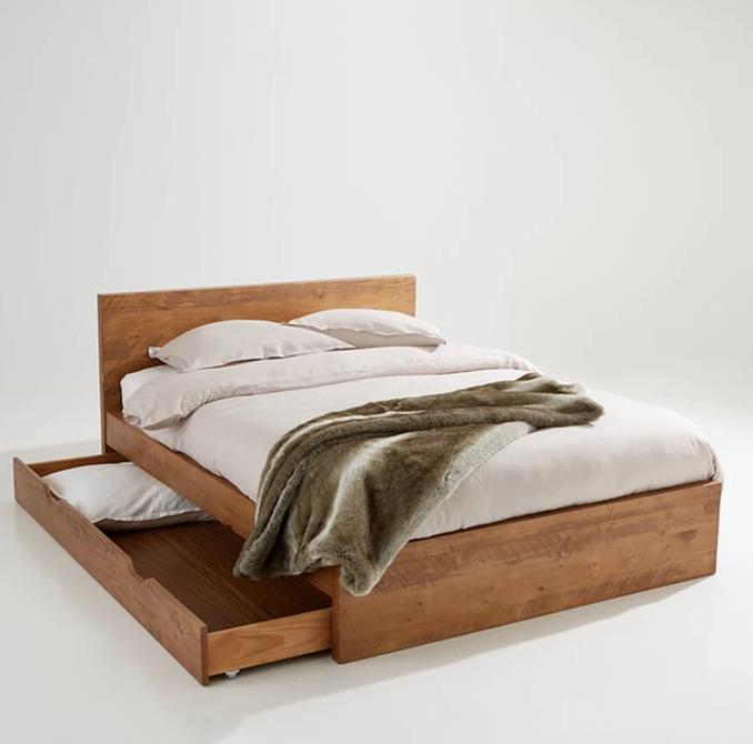 En el dormitorio, si no tienes canapé en la cama, pon cajas o cajones, como esta de La Redoute Interieurs (100,82 euros)