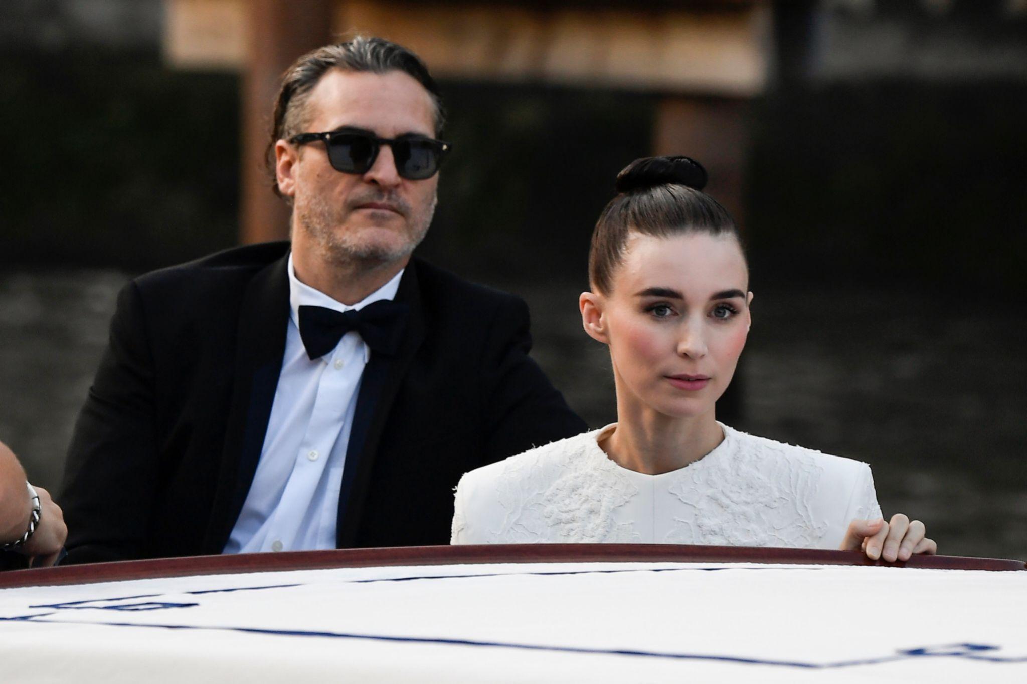 Rooney Mara y Joaquin Phoenix en el pasado Festival de Venecia