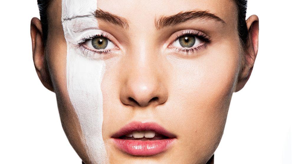 Tenemos que mirar las etiquetas de nuestros productos cosméticos por motivos de seguridad.