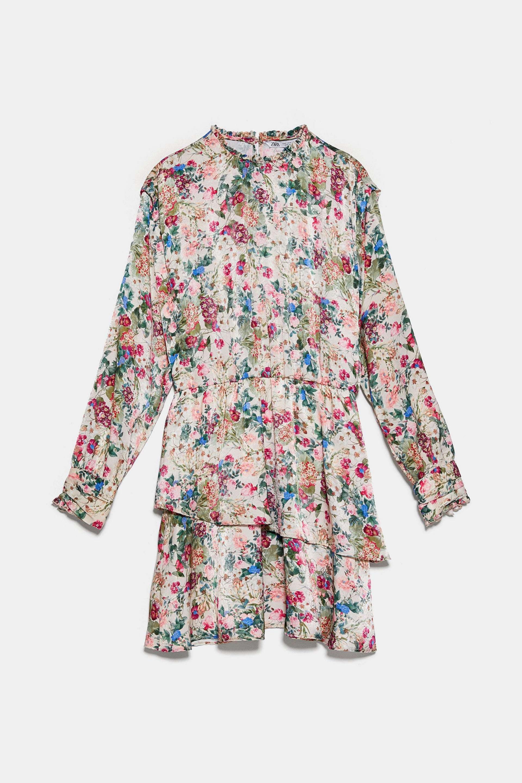 Mini vestido con flores y volantes de Zara (39,95¤)