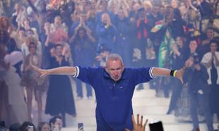 Jean Paul Gaultier en su último desfile.