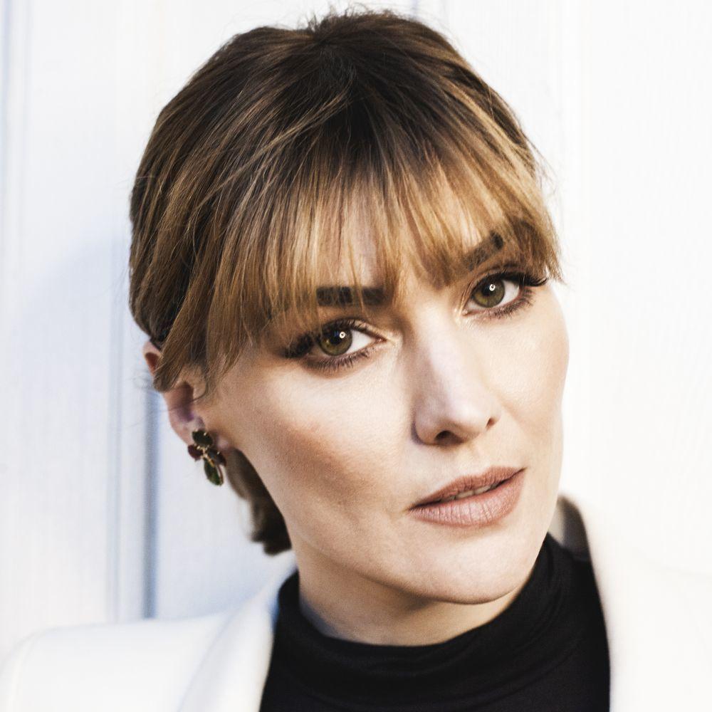 Marta Nieto con look de maquillaje Armani Beauty por la maquilladora Natalia Belda.