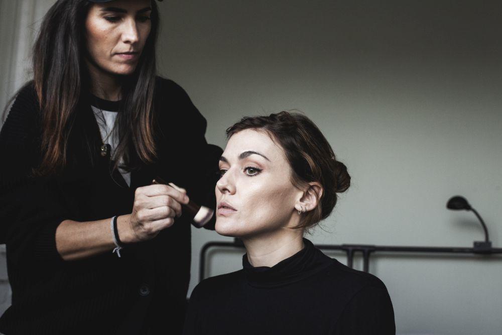 Marta Nieto, maquillada por Natalia Belda para Armani Beauty.