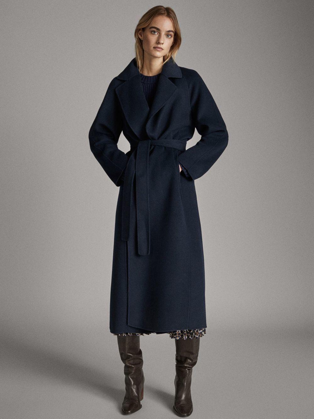 El abrigo que Massimo Dutti que lleva Meghan Markle.