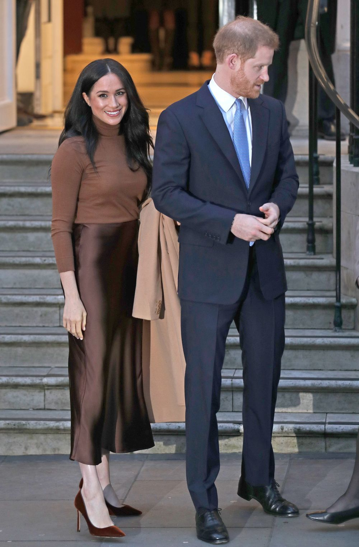 La duquesa de Sussex vestida de Massimo Dutti.