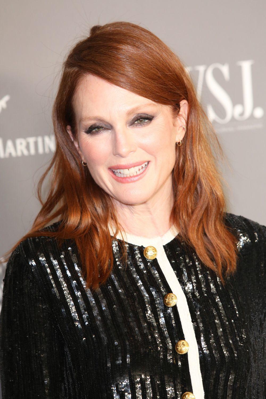 Julianne Moore luce este largo de melena desde hace años en distintos tonos: desde el ronze entre rojo y bronce.