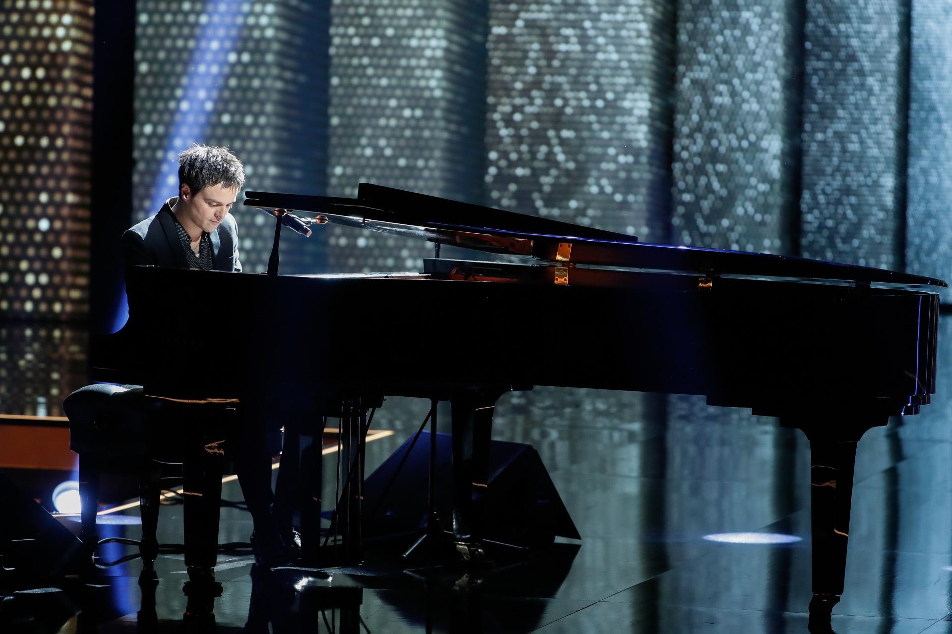 Jamie Cullum al piano durante la gala de los Premios Goya 2020.