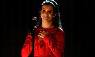Amaia Romero interpretando <em>Canción de Marisol</Em> en los Premios...
