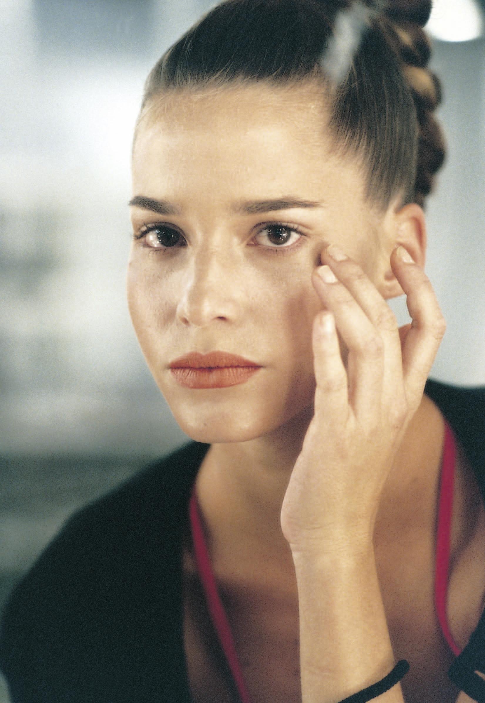 Los quistes de milium son más habituales en la piel grasa, pero pueden aparecer en cualquiera. No son graves, pero deberías acudir al dermatólogo para eliminaros.