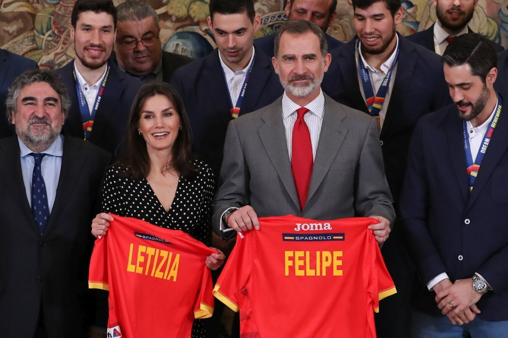 Los reyes han mostrado su apoyo al deporte español recibiendo hoy a...