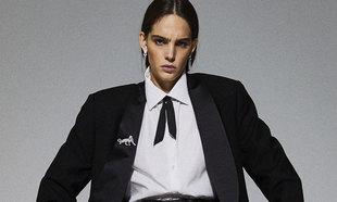 Modelo con broche y pendientes Panthêre, Cartier