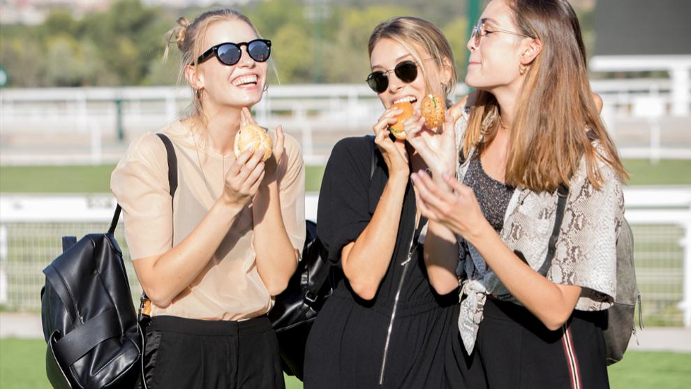 Los nutricionistas recomiendan consumir más pan de centeno para...