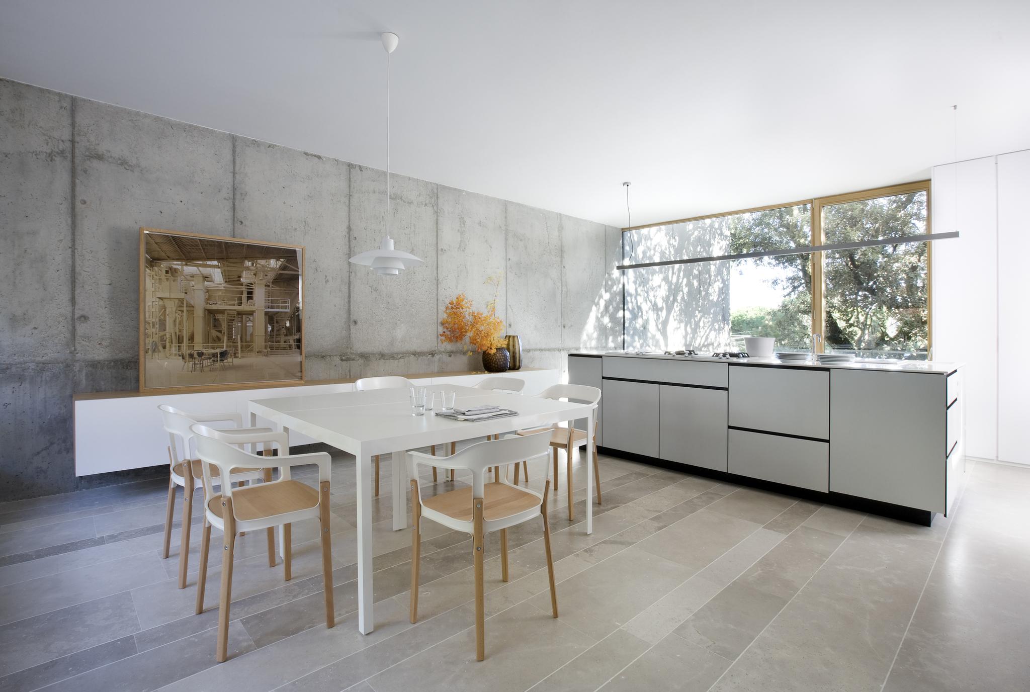 Diseño showroom ABATON con interiorsmo BATAVIA