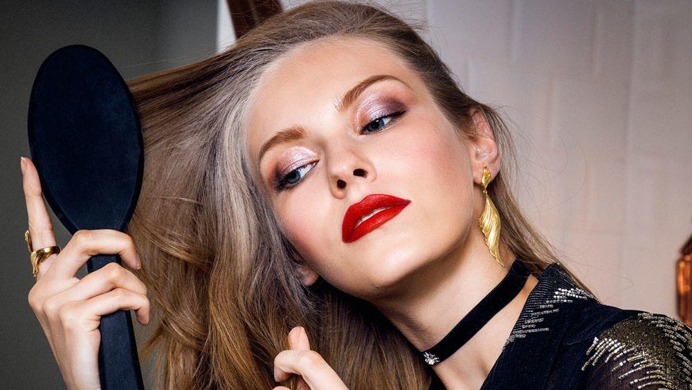 Hay ingredientes que neutralizan la melanina de la cana neutralizando el pelo blanco y potenciando el color real de tu pelo que funcionan.