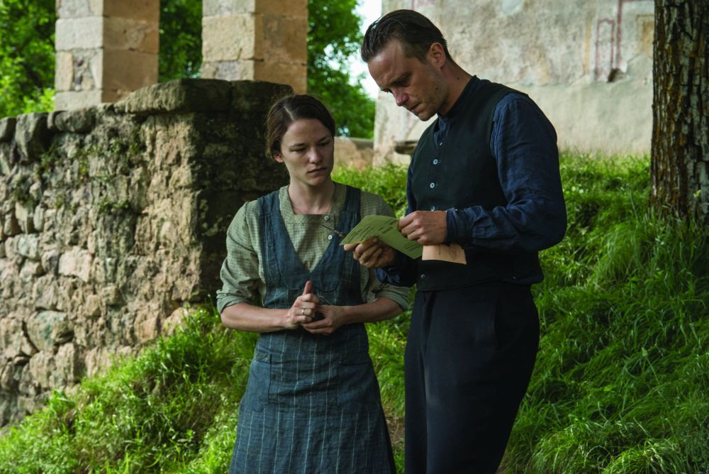 """Valerie Parchner y August Diehl interpretan a los dos protagonistas de """"Vida oculta""""."""
