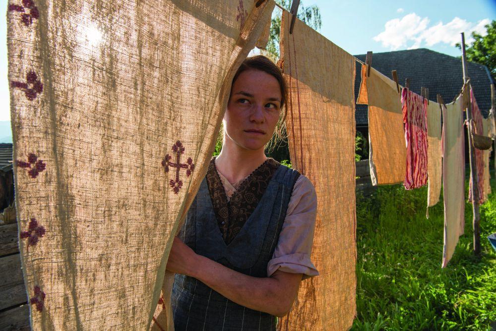 """Valerie Parchner interpreta a Fani Jäggerstatter en """"Vida oculta""""."""