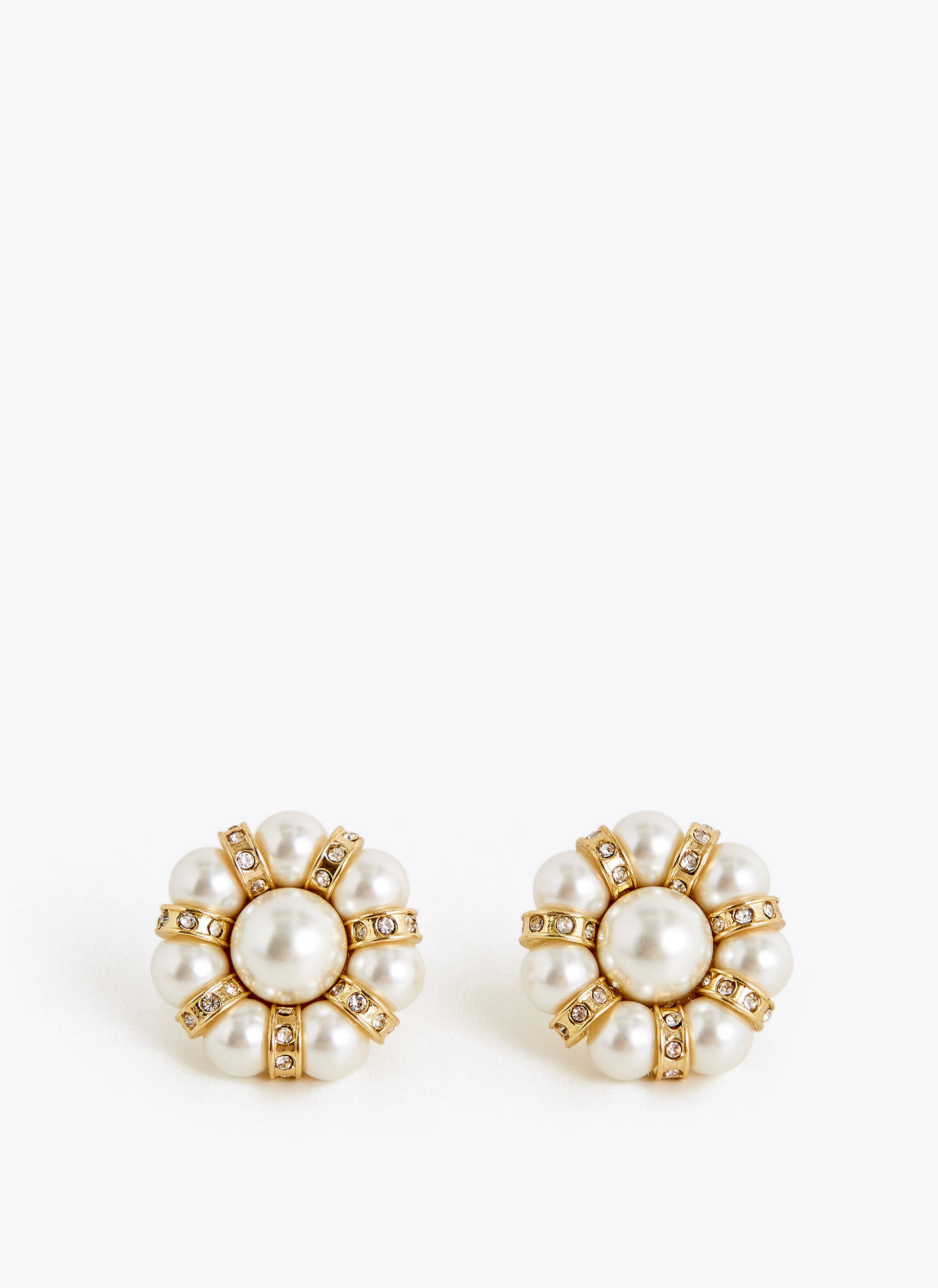 Pendientes con forma de flor y perla de inspiración vintage de Uterqüe (39¤)