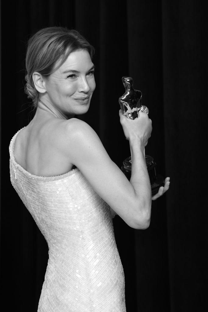 Renée Zellweger posa con su Oscar.