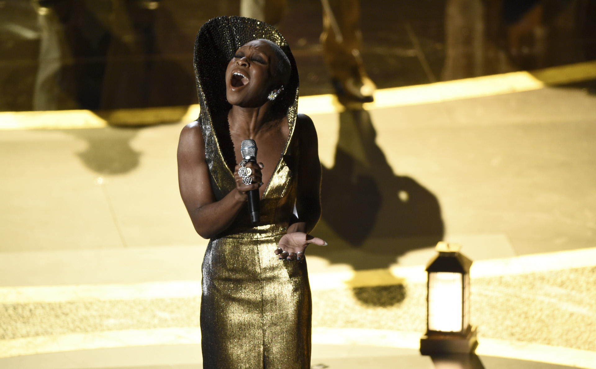 Cynthia Erivo durante su emocionante actuación