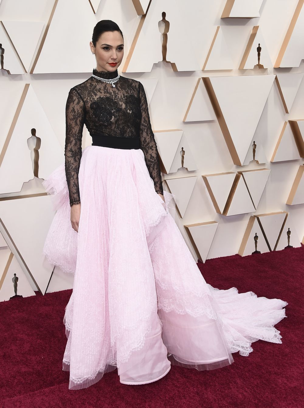 Gal Gadot de Givenchy Alta Costura en los Oscar 2020