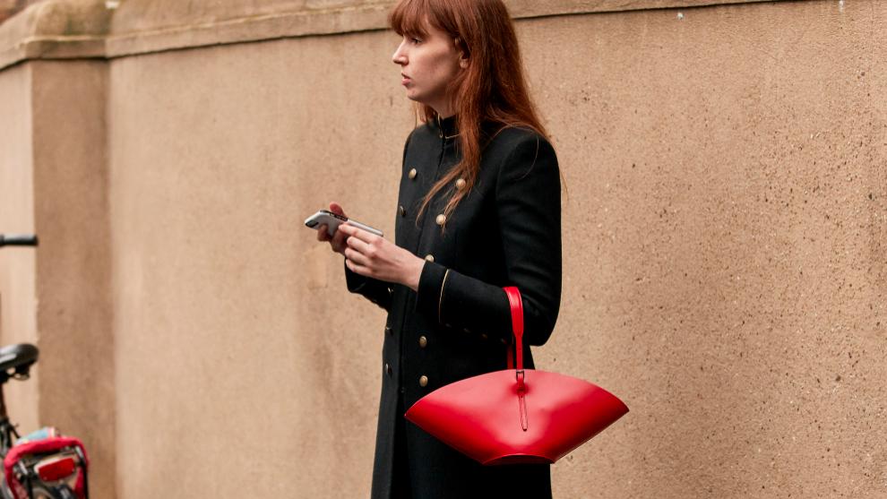 Las danesas son las que más apuestan por los bolsos minimalistas.